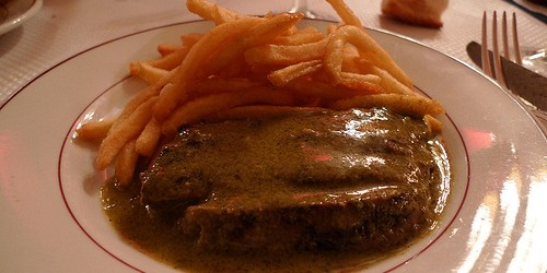 Le Relais de l'Entrecôte restaurant in Paris | parisbymouth.com