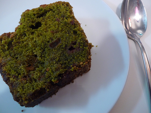 Matcha tea cake at Nanashi restaurant in Paris | parisbymouth.com