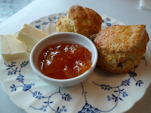 Scones at British fry at Le Bal Cafe restaurant in Paris | parisbmouth.com