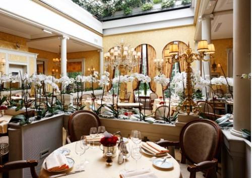 Lasserre via restaurant-lasserre.com