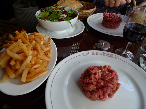 tartare at bistrot paul bert restaurant in paris | parisbymouth.com