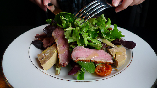 Salad of duck breast and foie gras from au clocher de montmartre by barbra austin paris by mouth - Salade au foie gras ...
