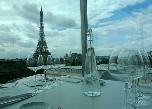 cheapest hotels paris near eiffel tower