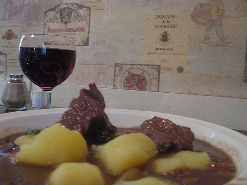 Bouef Bourgignon at Le Rubis - one of the rare remaining casual bistro tables