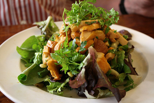 A lunchtime salad of seasonal mushrooms & fresh greens from the Café des Musées