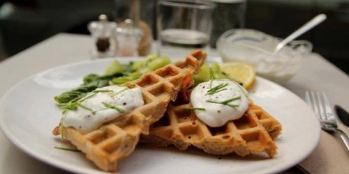 gluten free waffles at Thank You My Deer cafe in Paris | parisbymouth.com