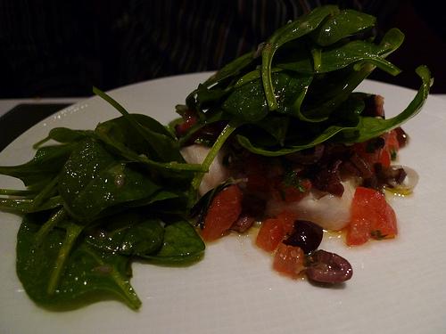 Lazare - Cabillaud rôti, suace vierge, salade de tétragone mi-cuite