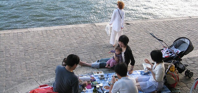 Summer picnic along the Seine