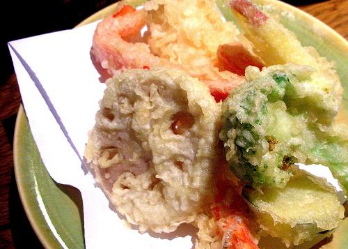 tempura at Udon at Kunitoraya restaurant in Paris | parisbymouth.com