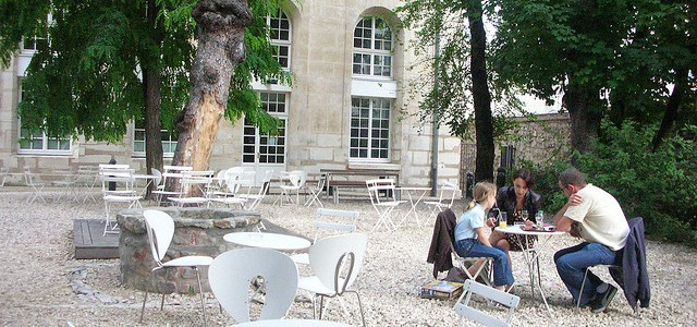 Hidden garden near the Canal (Café A)