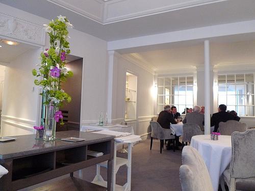 Kei restaurant Paris dining room