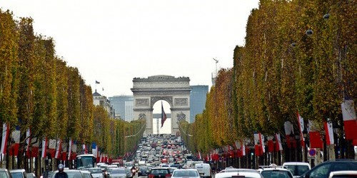 champs elysees photo via subharnab onflickr