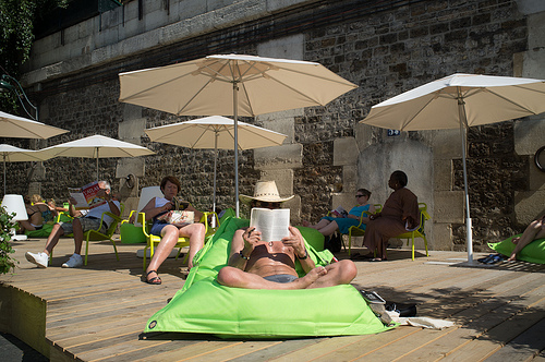 reading photo by Nicolas Portnoï via Flickr
