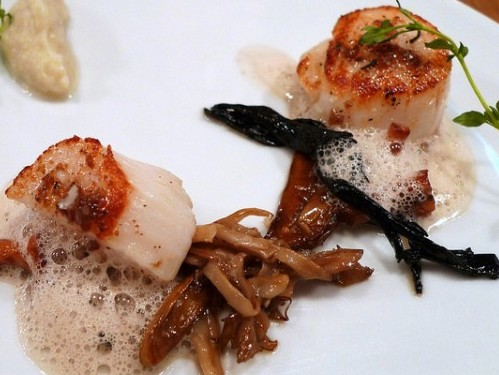 Scallops at Abri restaurant in Paris  | parisbymouth.com