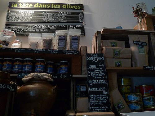 La Tete dans Les Olives restaurant in Paris | parisbymouth.com