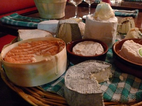 Cheese cart at Chez Casimir restaurant in Paris | parisbymouth.com