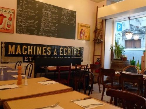 Autour d'un Verre wine bar in Paris | parisbymouth.com