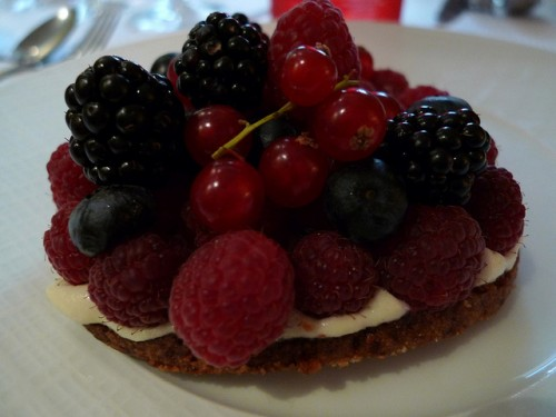 Tart at Le Griffonier restaurant in Paris | parisbymouth.com