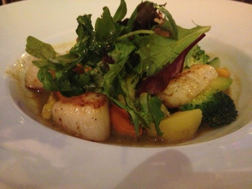 Scallops at A La Renaissance Restaurant in Paris | parisbymouth.com