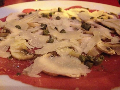 Carpaccio at A La Renaissance restaurant in Paris | parisbymouth.com
