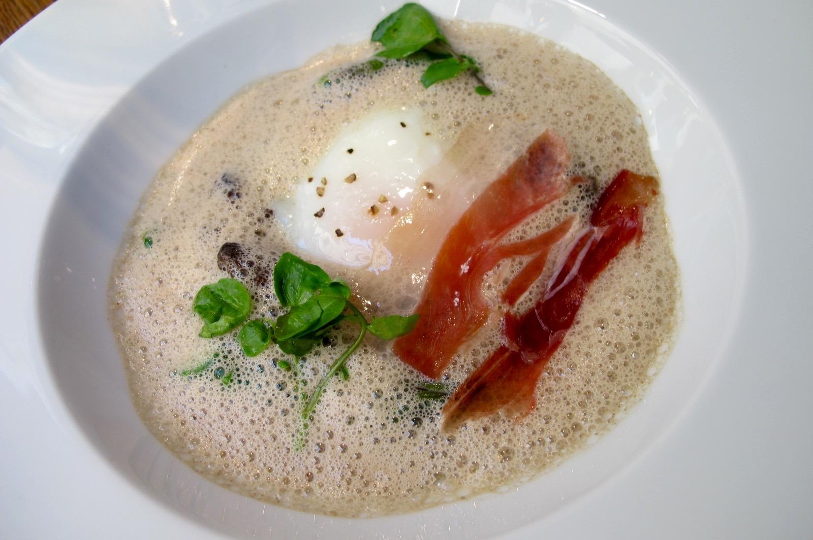 Poached egg at Spring restaurant in Paris