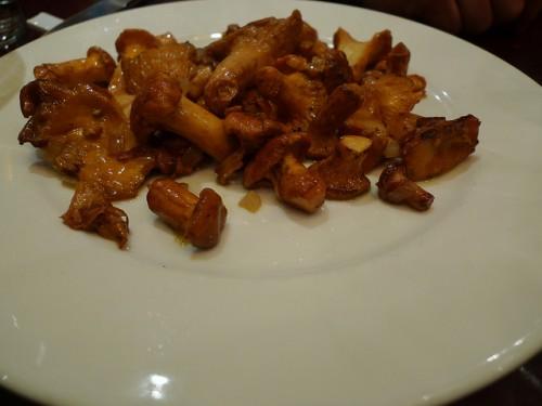 Girolles at Le Severo restaurant in Paris | parisbymouth.com