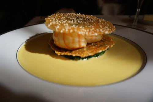 L'Ambroisie: langoustines, sesame, curry