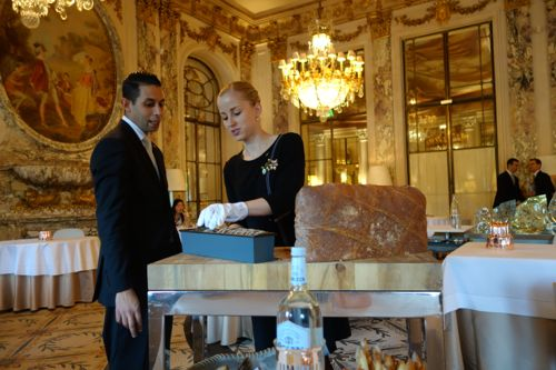Le Meurice: bread cart