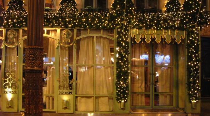 Holiday dining in Paris restaurants