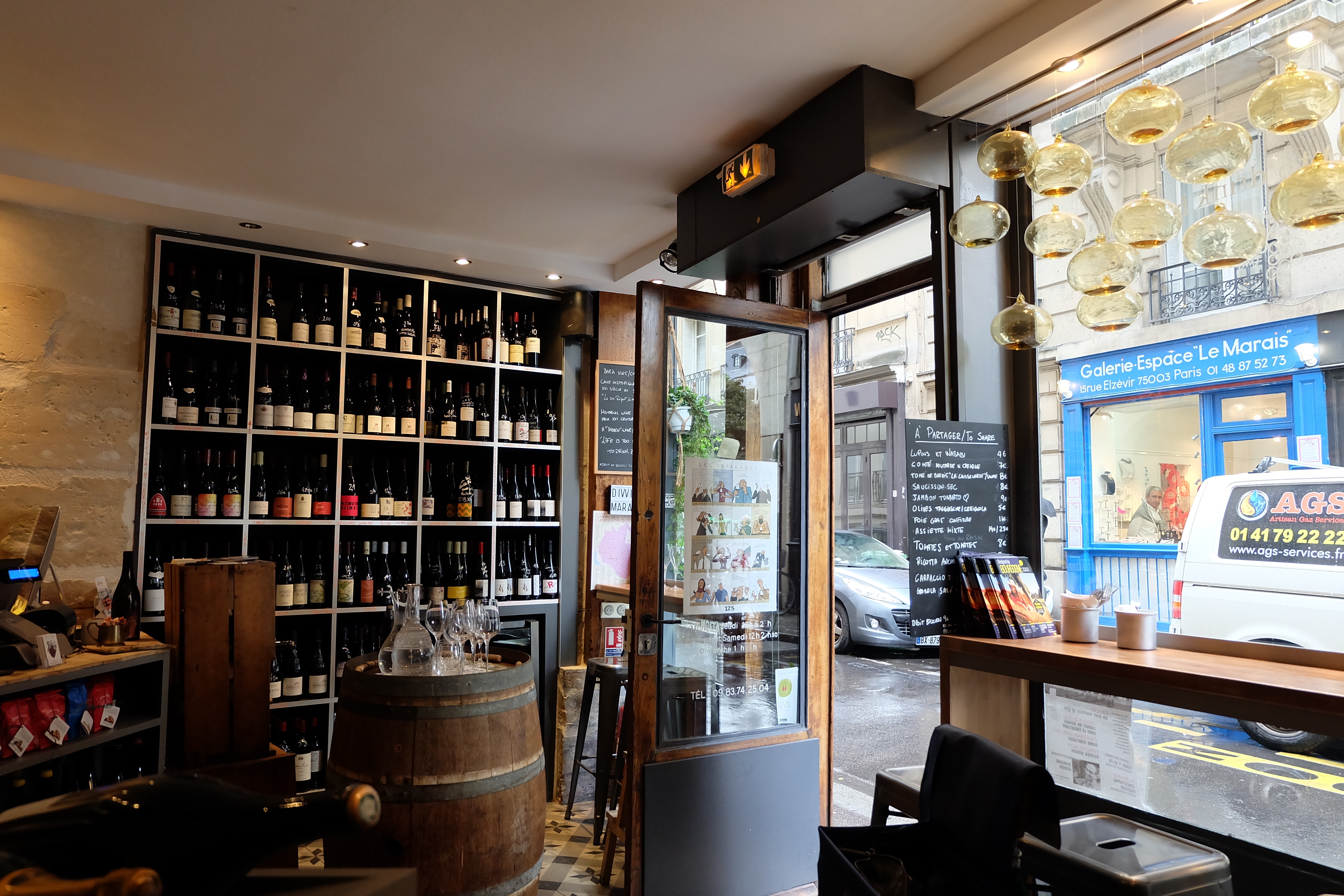 Divvino wine shop in Paris | parisbymouth.com