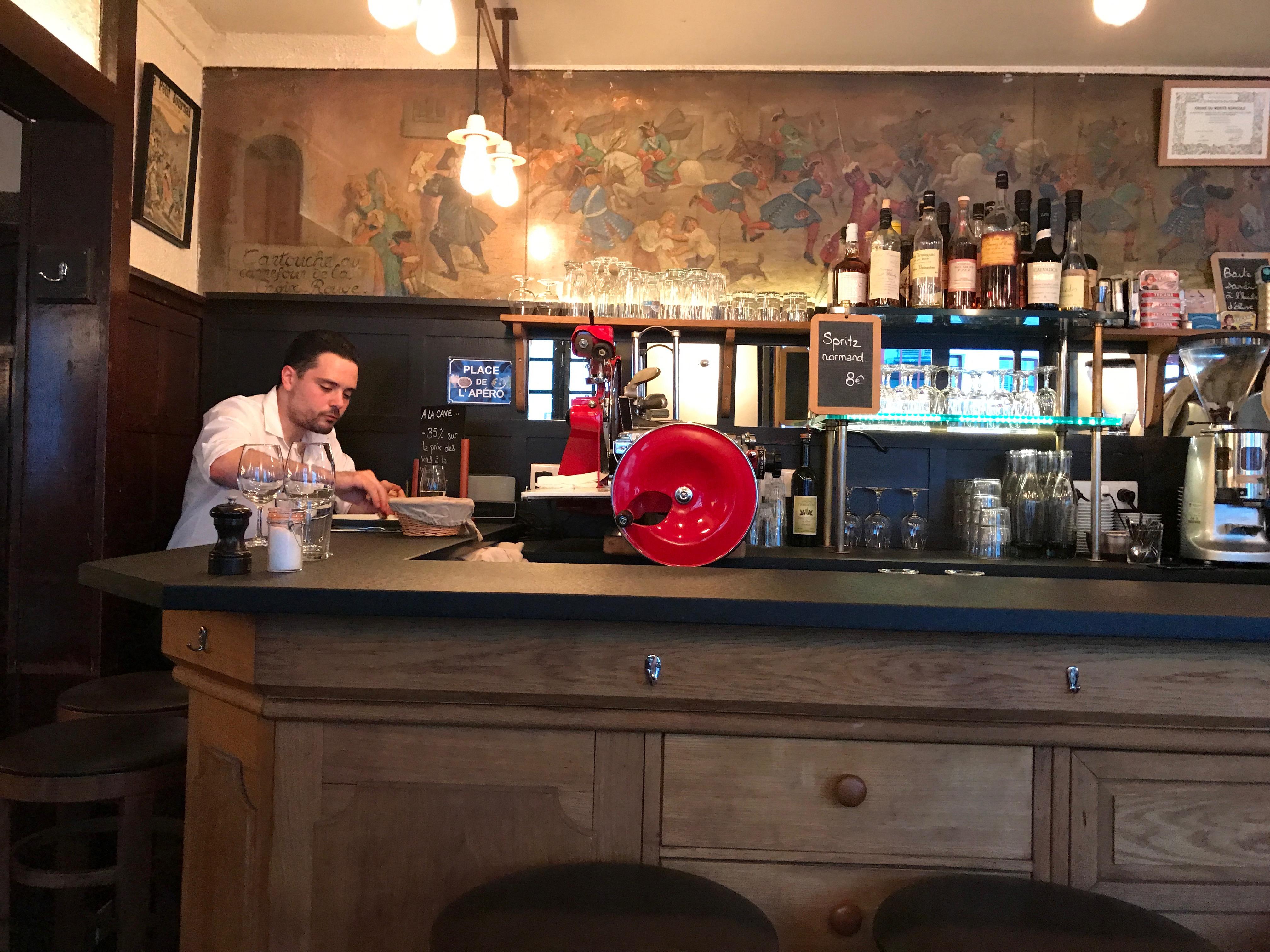 Le Repaire de Cartouche restaurant in Paris | parisbymouth.com