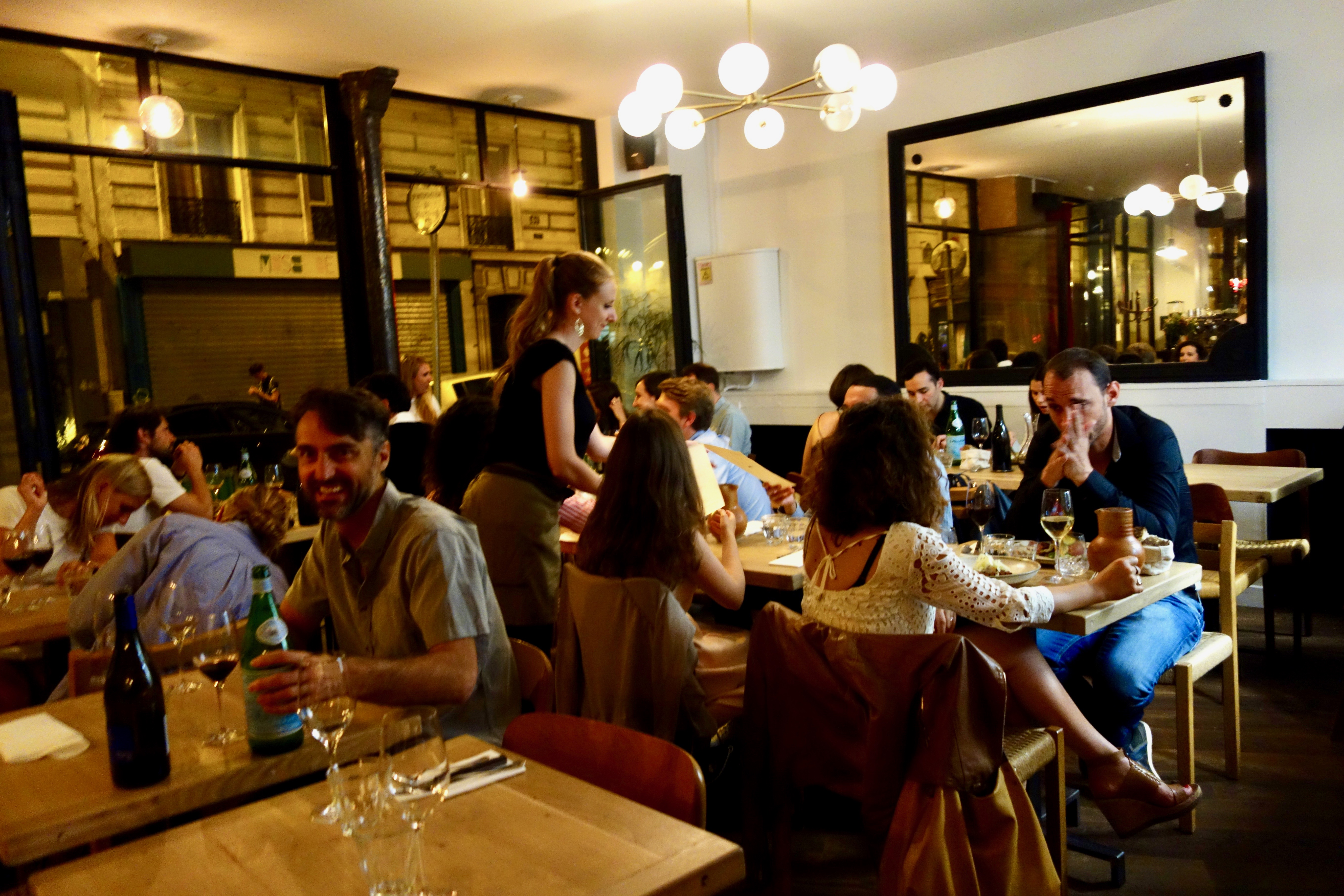 Dining room at Robert restaurant in Paris   parisbymouth.com